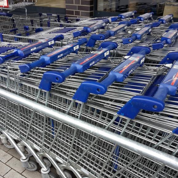 Einkauf beim Discounter