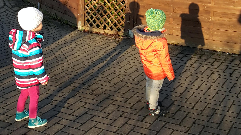 Zweijährige: Streitlust und Geschwisterfrust « Chaos² ...