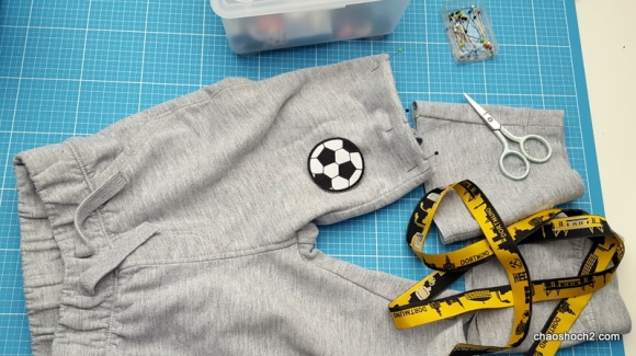 Kinderhose kürzen - Fußballhose BVB